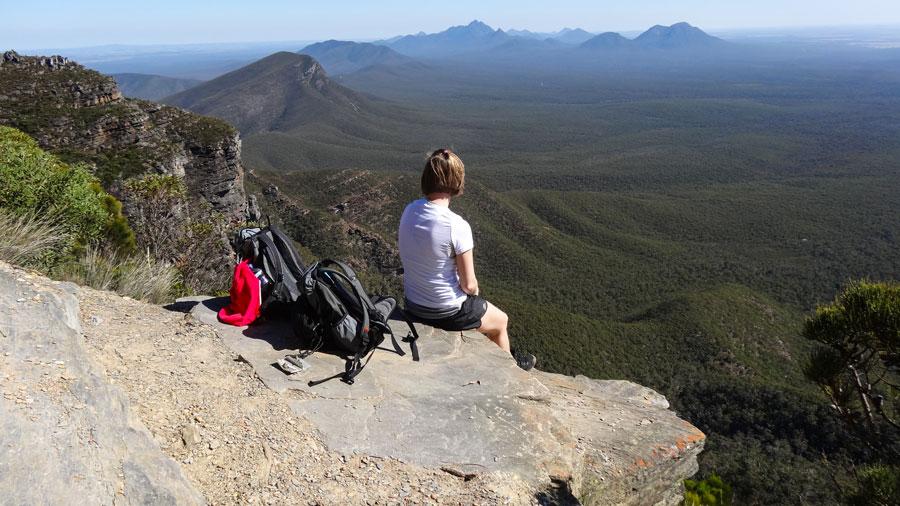 Beine baumeln lassen und kurz ausruhen im stirling Range NP, Australien