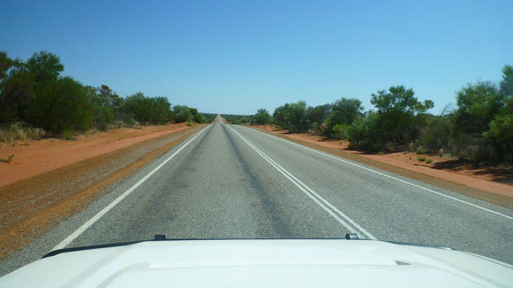 """Immer geradeaus - typische """"Autobahn"""" in Australien"""