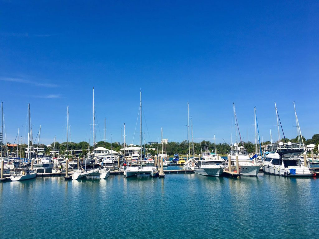 Bootsanleger in der Cullen Bay in Darwin