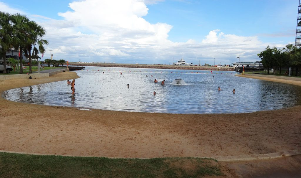 Unbeschwerte Bademöglichkeit an der Waterfont in Darwin