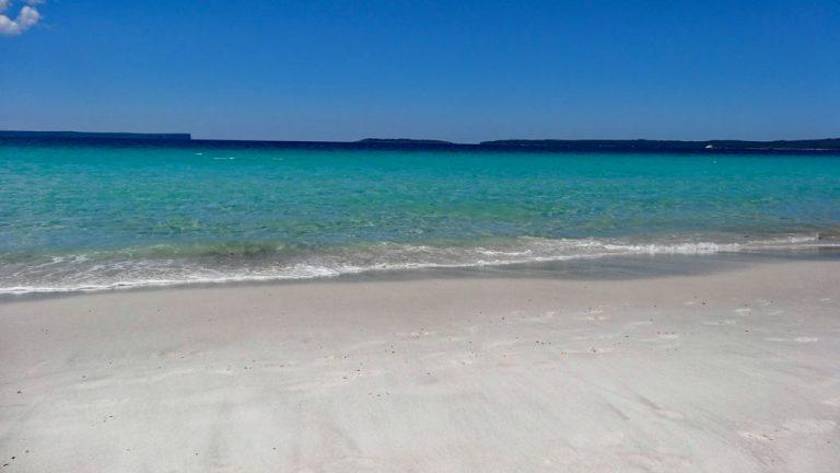 kristallklares Wasser am Hyams Beach in der Jervis Bay